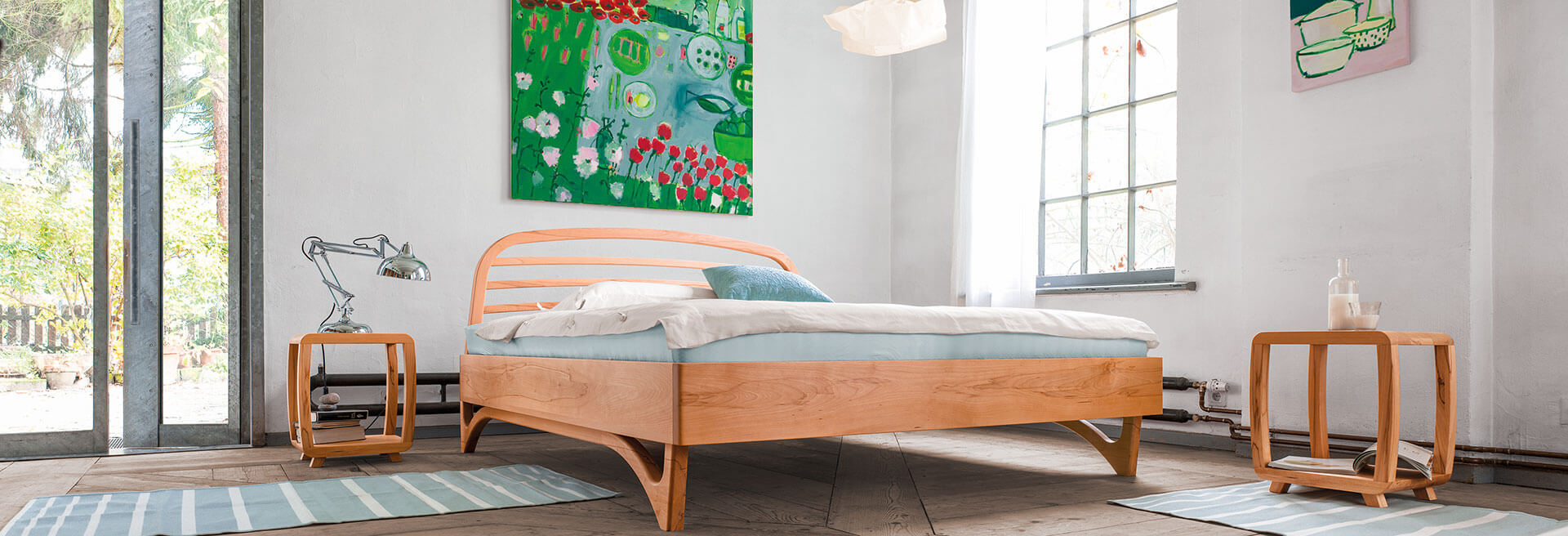 solid wood bed Liv